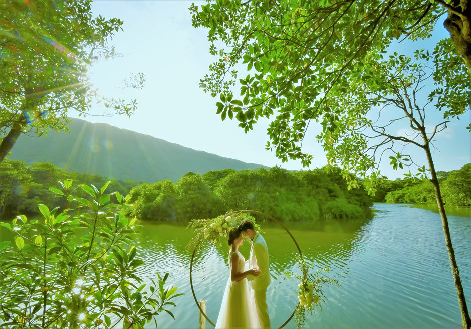 ジャングル・ホテル・パイヌマヤ西表島結婚式 マングローブ・ウェディング デイタイム マングローブの美しい挙式シーン