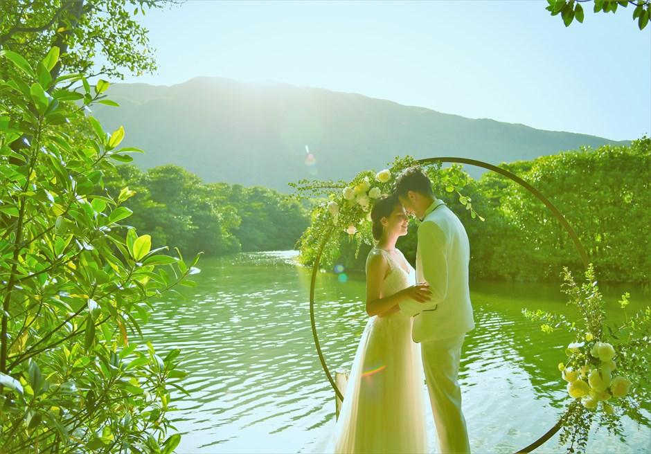 ジャングル・ホテル・パイヌマヤ西表島結婚式 マングローブ・ウェディング デイタイム 神々しいウェディングシーン