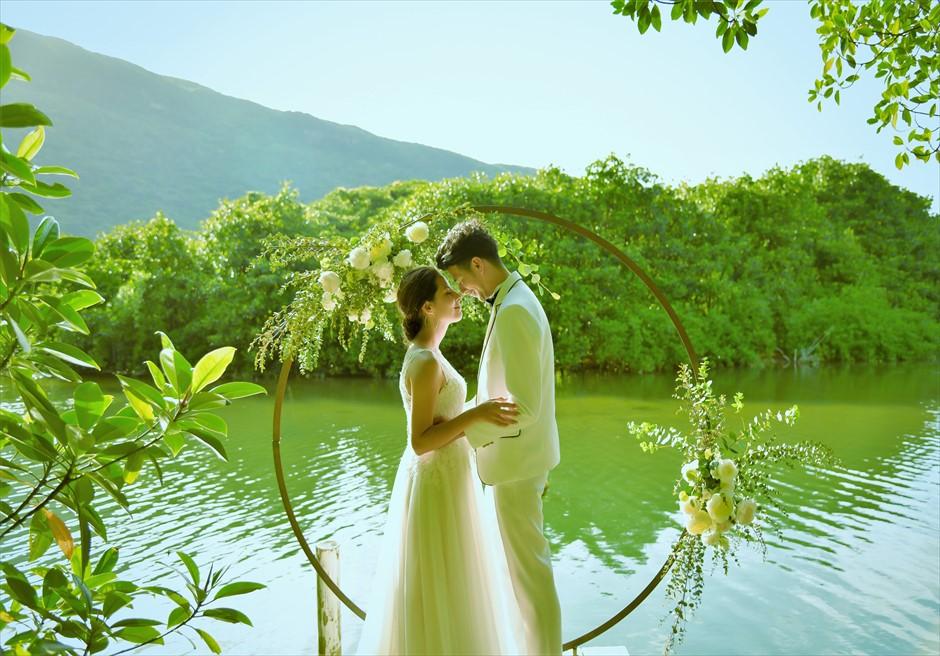 ジャングル・ホテル・パイヌマヤ西表島結婚式 マングローブ・ウェディング デイタイム 絵画のようなブライダルシーン