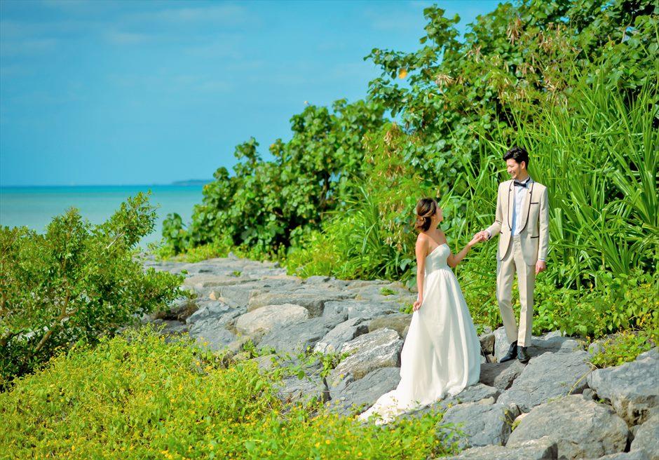 ホテル・ロイヤル・マリン・パレス石垣島海を望むジャングルにてフォトウェディング