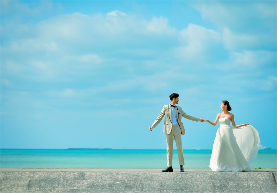 ホテル・ロイヤル・マリン・パレス石垣島目の前に大海が広がるフォトウェディング