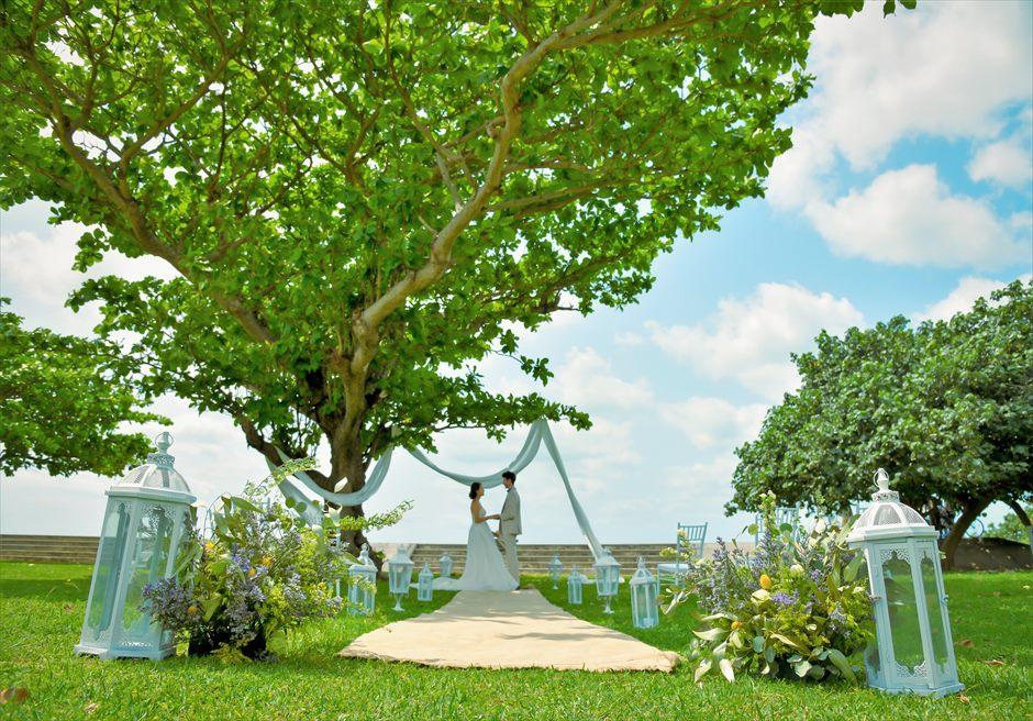 ホテル・ロイヤル・マリン・パレス石垣島結婚式│パーク・ツリー・ガーデン・ウェディング│ヘンプ(麻)のバージンロード