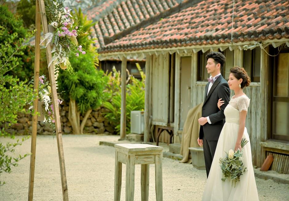 竹富島・沖縄琉球古民家ヴィラ結婚式 コーラル・サンド・ガーデン・ウェディング 竹富島ならではのブライダル・シーン