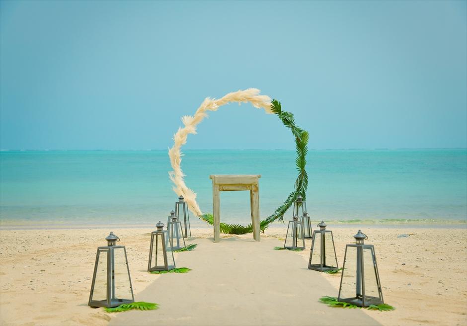 ザ・セブン・スターズ・リゾート石垣島│シーニック・ビーチ・ウェディング│挙式会場装飾