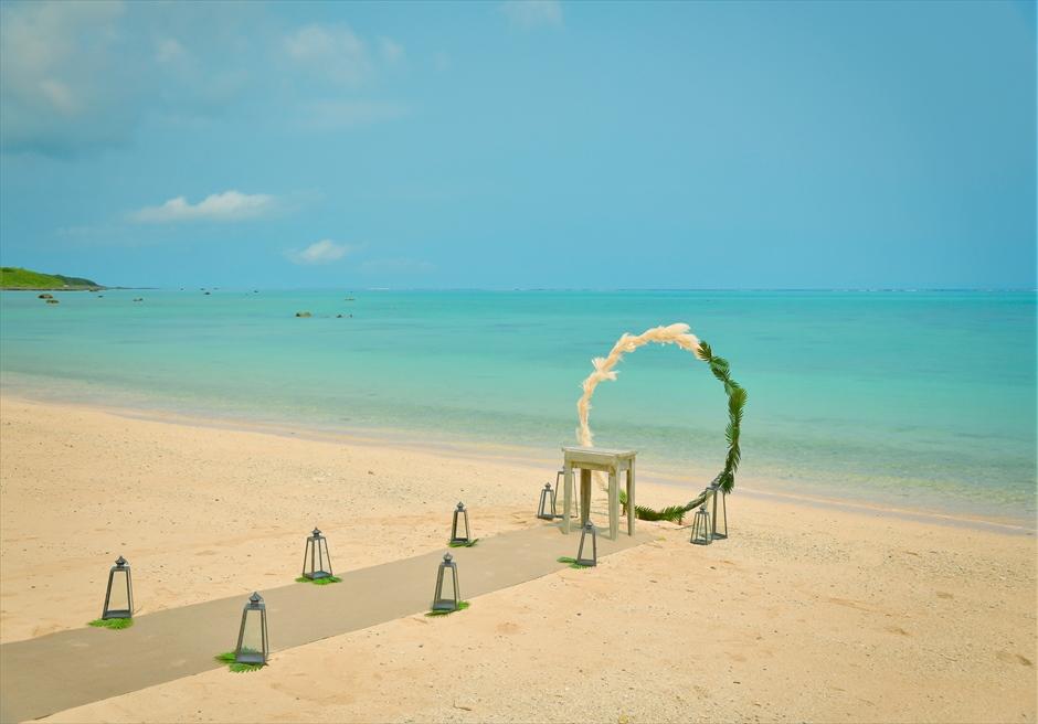 ザ・セブン・スターズ・リゾート石垣島│シーニック・ビーチ・ウェディング│ホワイト・サンズ・ビーチの美しい挙式会場