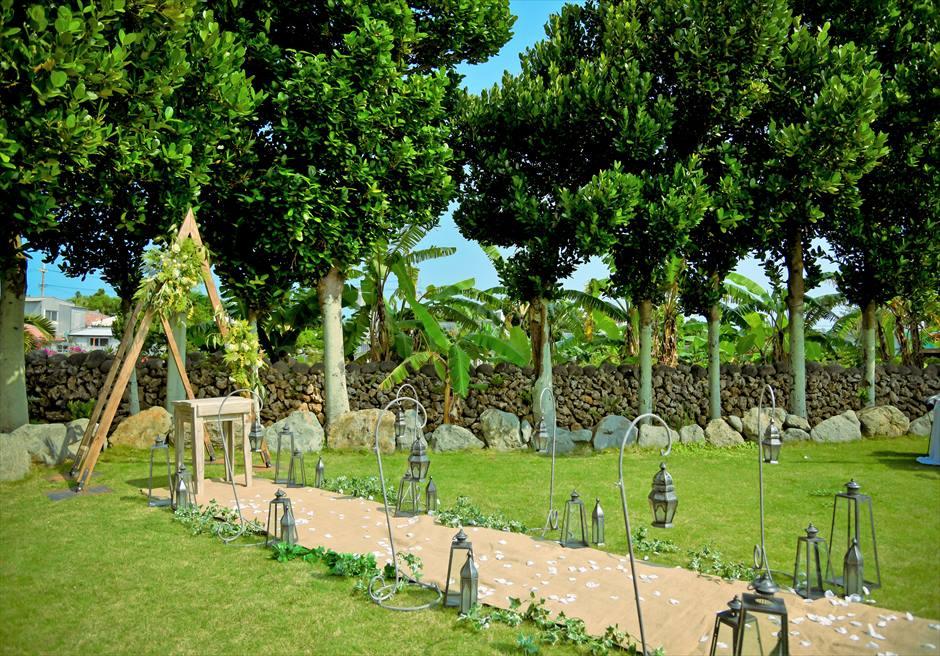 白保ノスタルジー・ガーデン石垣島沖縄結婚式 ヴィラ・ガーデン・ウェディング オールド&モダンを感じさせる挙式会場