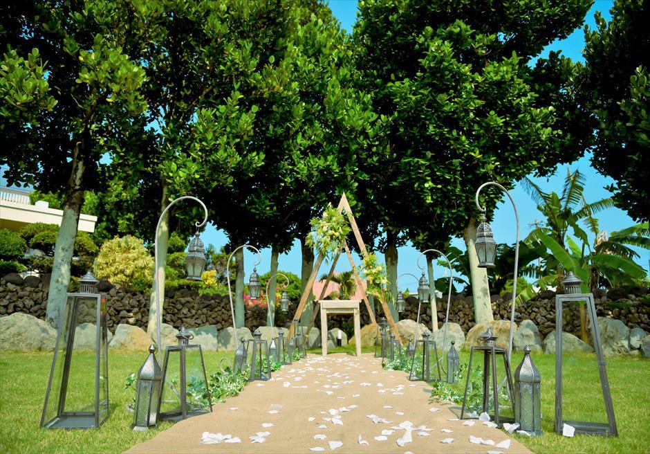白保ノスタルジー・ガーデン石垣島沖縄結婚式 ヴィラ・ガーデン・ウェディング ヘンプ(麻)のバージンロード