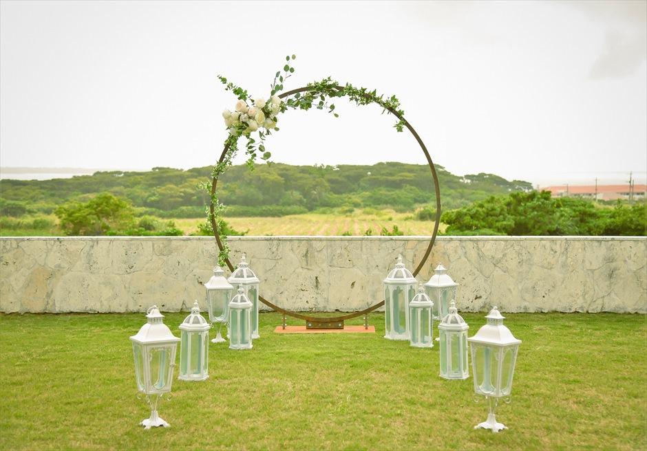 サンセット・ヒル・ヴィラ・ウェディング オーシャンビュー・ガーデン挙式 挙式会場装飾