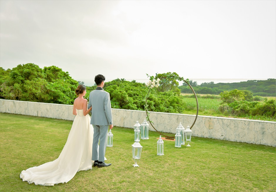 サンセット・ヒル石垣島・沖縄ヴィラ挙式 オーシャンビュー・ガーデン・ウェディング フサキの高台での静寂に包まれた挙式