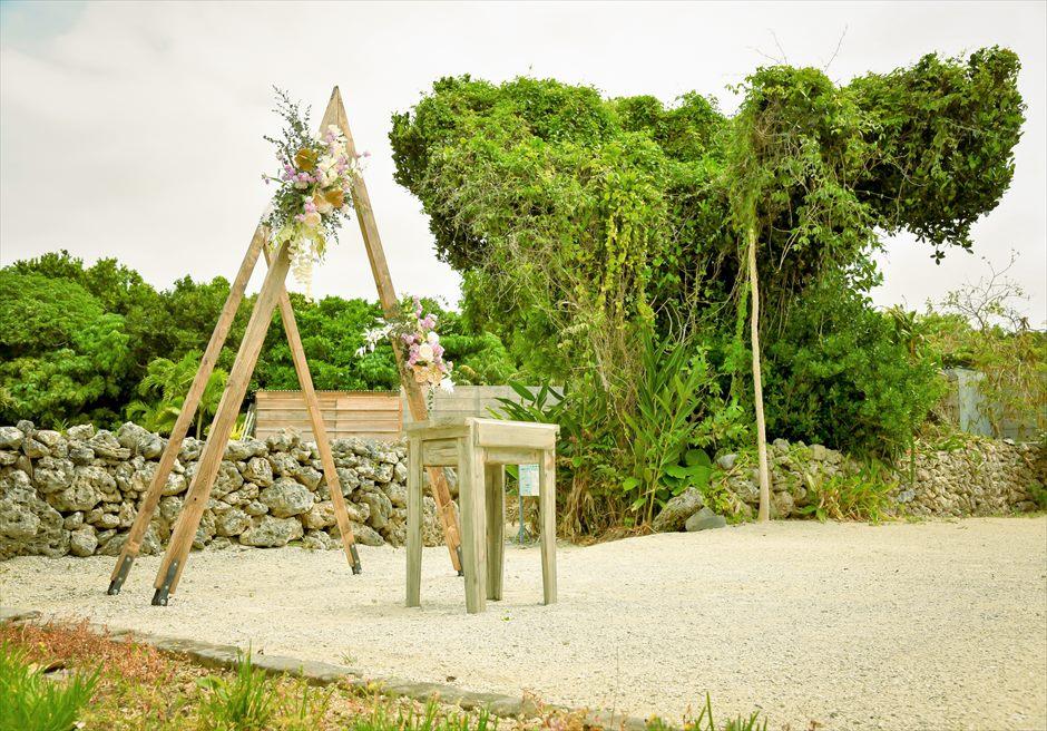 竹富島・沖縄琉球古民家結婚式 ヴィラ・ウェディング 郷愁を感じる美しい挙式会場