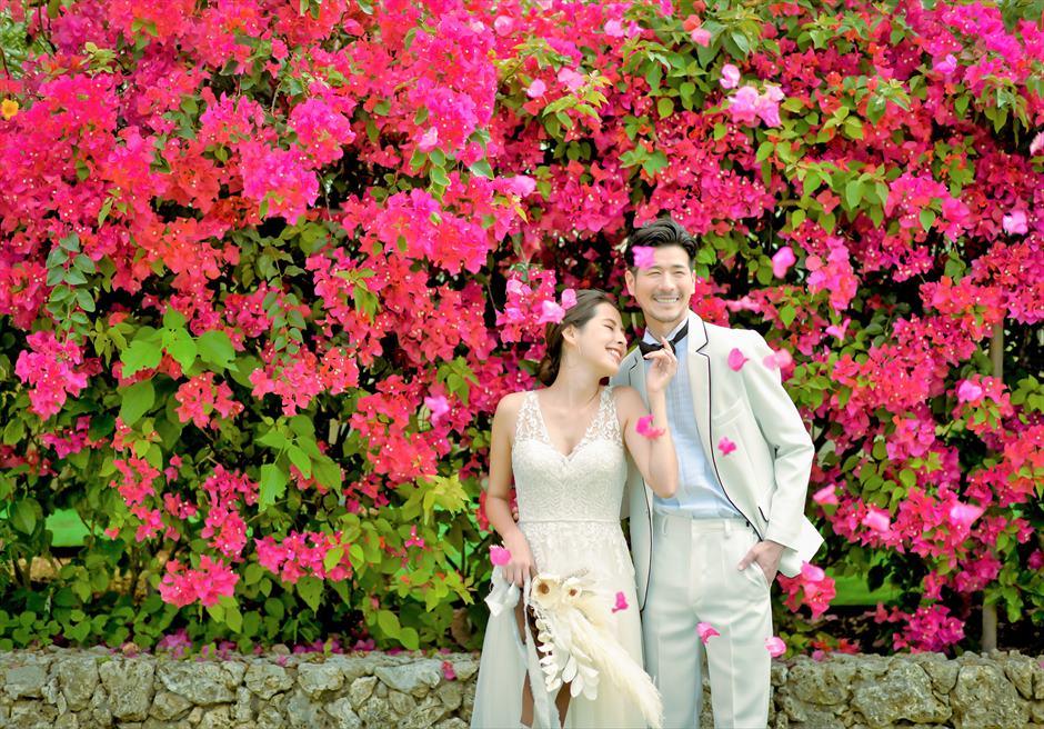 ヴィラうなりざき西表島フォトウェディング美しい花々が咲き乱れるリゾート・ガーデン