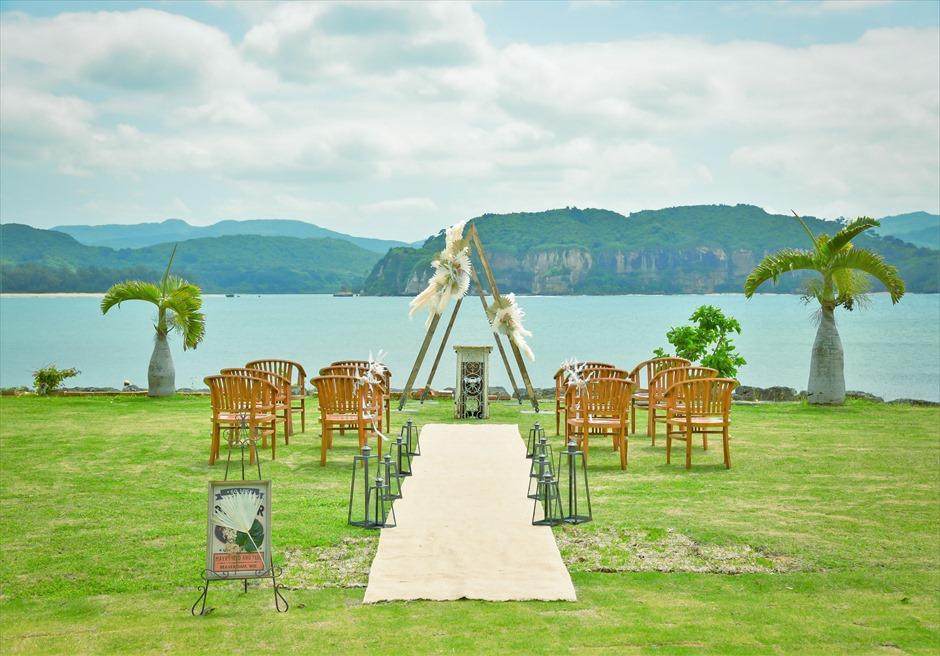 ヴィラうなりざき・沖縄西表島ウェディング オーシャンフロント・ガーデン挙式 挙式会場装飾