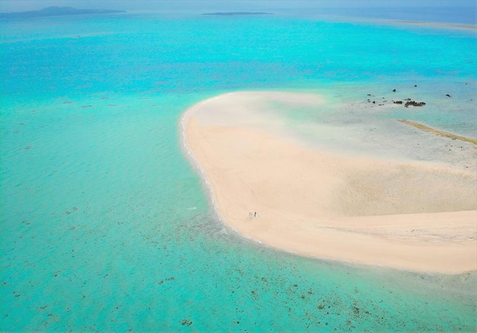 沖縄八重山諸島・小浜島近海・幻の島結婚式 ヘブンズドア・ビーチウェディング 無人島・幻の島全景