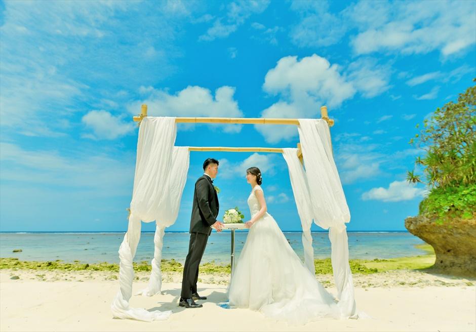 沖縄石垣コーラル・テラス挙式・結婚式│セレモニーフォト・ビーチ(ガゼボ)