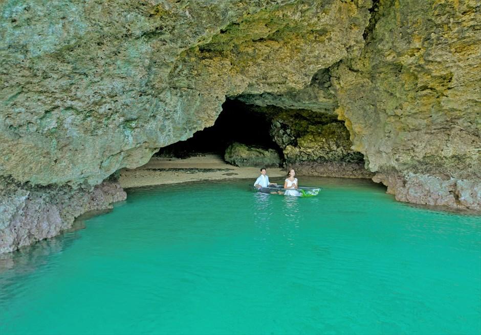 青の洞窟カヌー・フォトウェディング│沖縄石垣コーラル・テラス挙式・結婚式