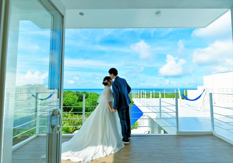 シエスタ・プライベート・プールヴィラ石垣島絶景を望むテラスにて挙式前撮影