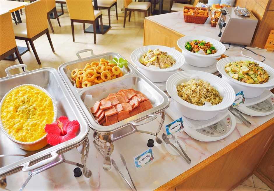 ホテルロイヤルマリンパレス石垣島/朝食バイキング(一例)