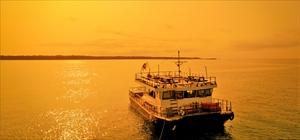 クルーズ船チャーター デイタイム<br><br>出港から下船まで16時~20時<br>2時間、4時間、8時間単位<br>※料理・BBQ・ドリンク別途<br>