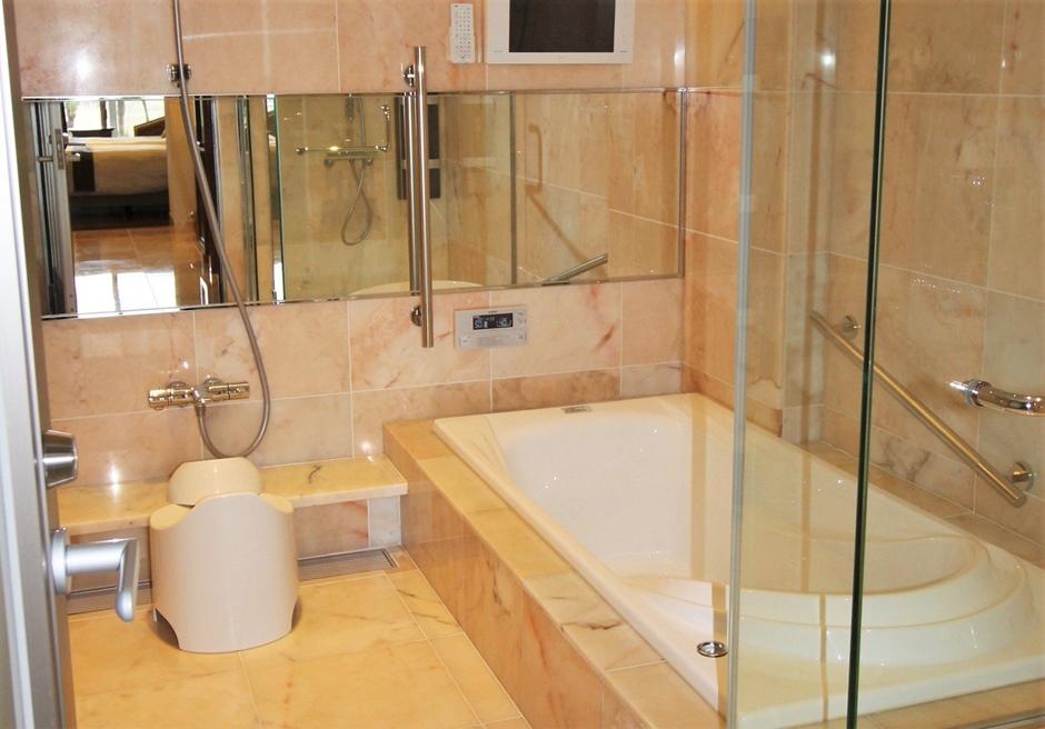 石垣リゾートホテル ガーデンビュールーム内バスルーム