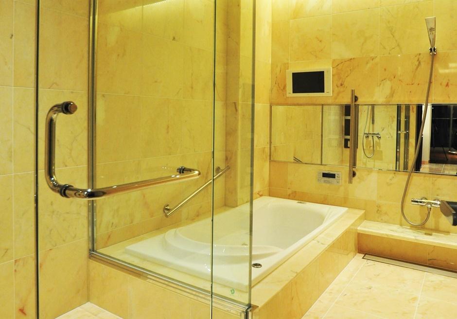 石垣リゾートホテル オーシャンビュールーム内バスルーム