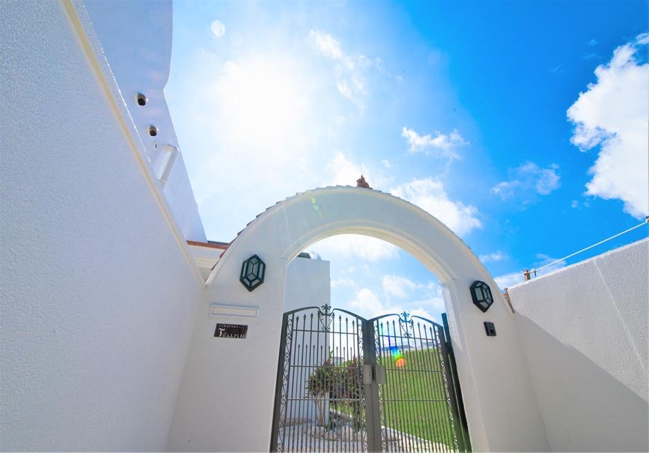 シーサイドテルミー石垣島/ヨーロッパのホテルのようなエントランス