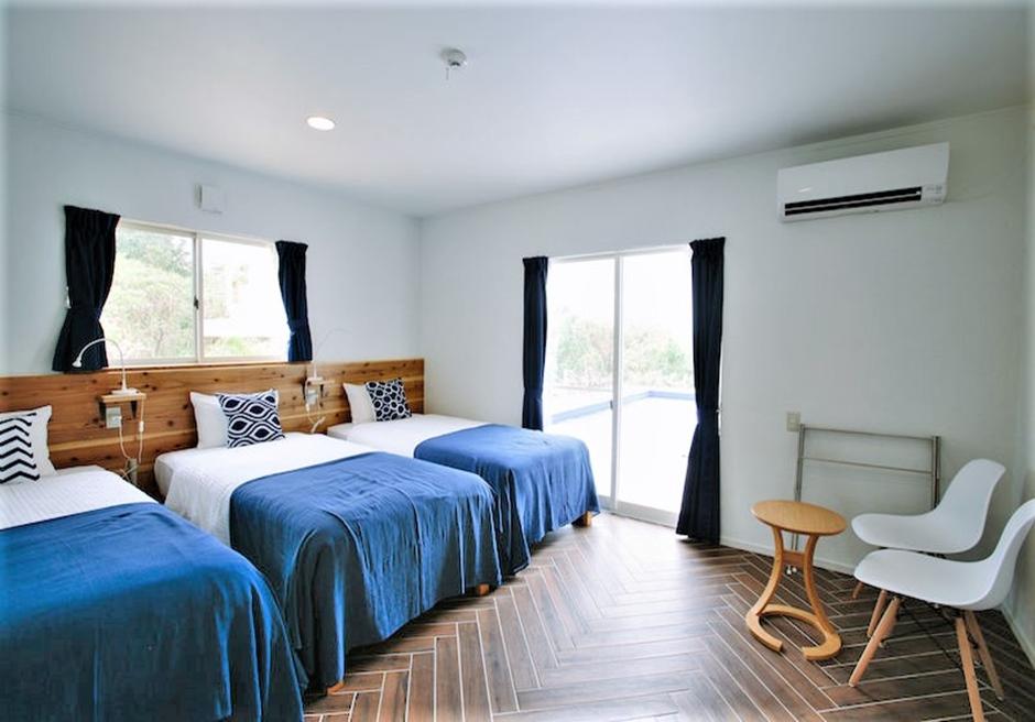 シエスタ・プライベート・プール・ヴィラ/寝室2 シングルベッド3台常置