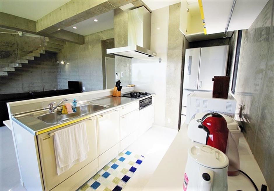 リゾート・イン・ヤマバレ/ あらゆる器具が完備されたキッチン