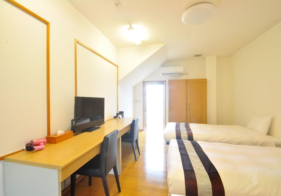 ホテル海邦フサキ/別館1階 ツインルーム