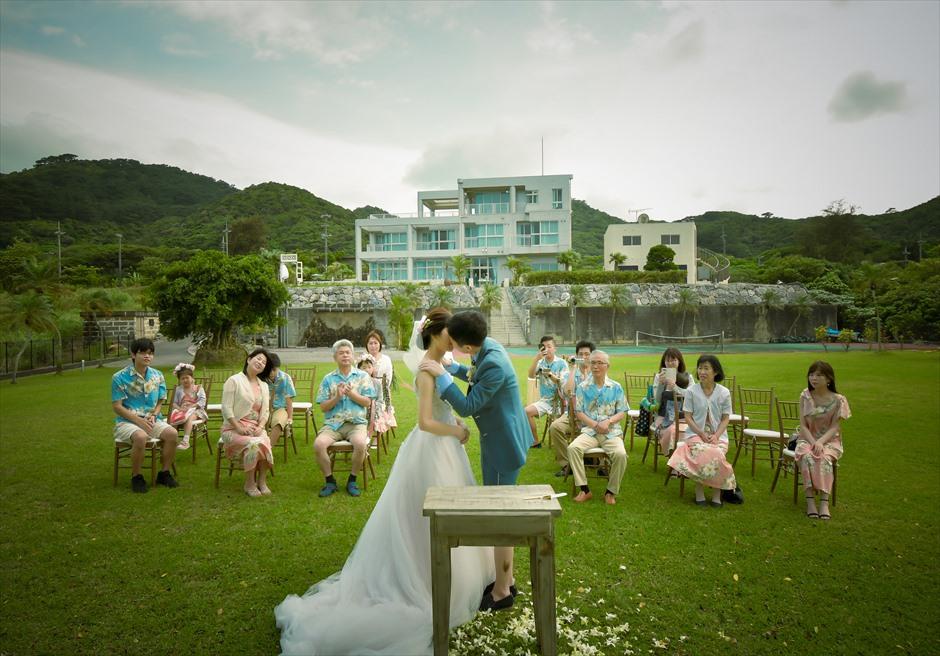 ホテル海邦川平を望むガーデン挙式