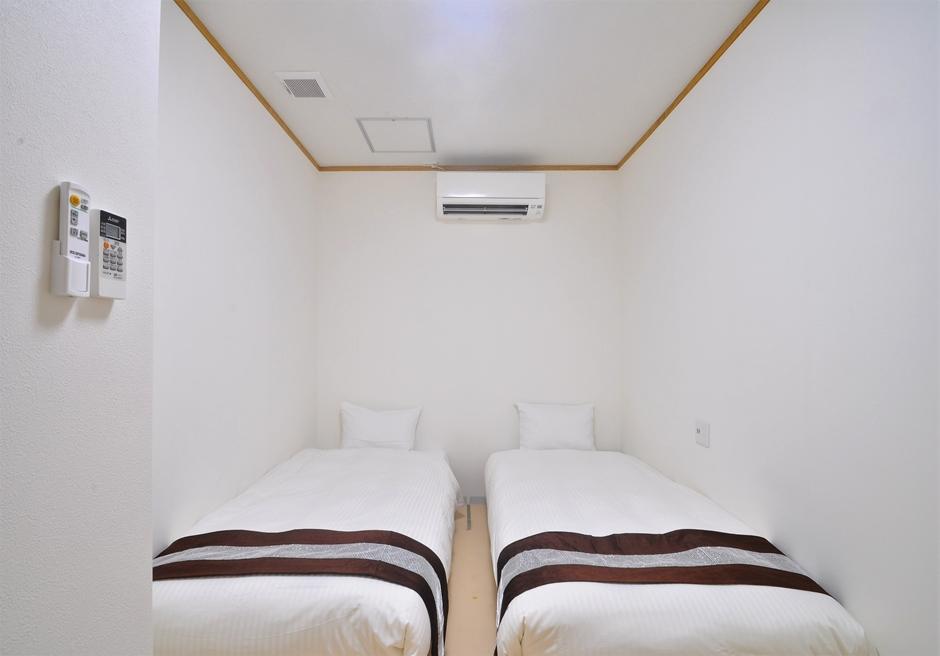 ホテル海邦フサキ/別館2階 ツインルーム
